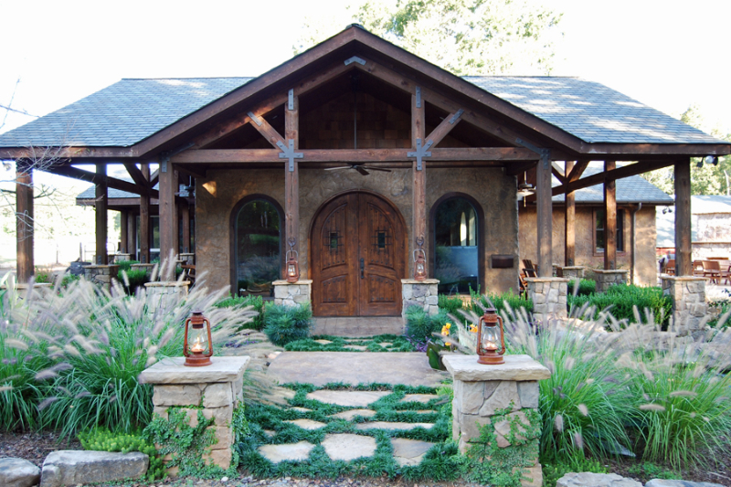 Home Entrance – Outdoor Life, Inc.