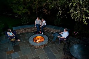 Outdoor Fire Pits and Fireplaces