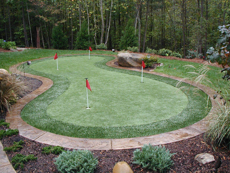 Synthetic Putting Greens - Outdoor Contracting on Backyard Putting Green Designs id=16672